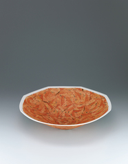 写真:Bowl with leaf design in overgraze enamel and gold
