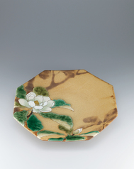 "写真:Large octagonal bowl with underglaze painting and kakewake style glaze. ""Japanese whitebark magnolia"""