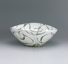 写真:Bowl with circle design in kaminuki .