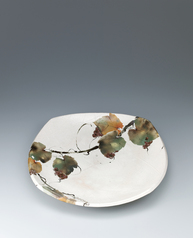 写真:Dish with grape design kaminuki.