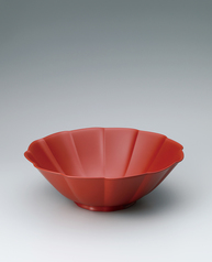 写真:Bowl of kanshitsu coated with red urushi.