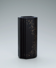 "写真:Iron flower vessel with design in inlay. ""Early evening"""