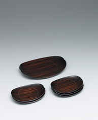写真:Set of ebony tray and dishes for sweets.