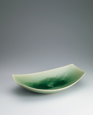 写真:Bowl with celadon glaze and wheat design.