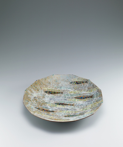 image Octagonal dish with decoration in engraving, overglaze enamel, gold and silver.