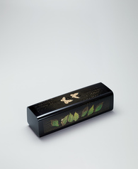 "写真:Box for tanzaku with design in zonsei. ""Wind–Waiting"""