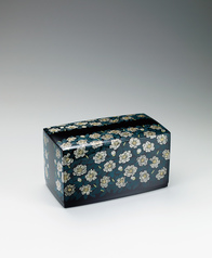"写真:Box with design in chinkin. ""Camellia sasanqua"""