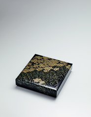 "写真:Box with design in chinkin. ""Rapeseed flowers"""