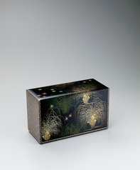 "写真:Box with design in chinkin. ""Sound in the grass"""