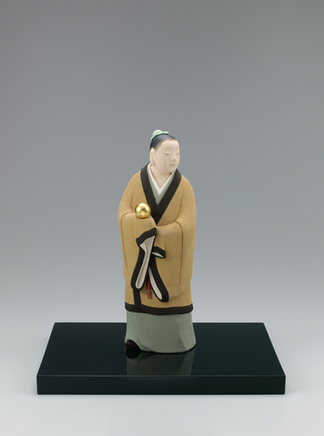 """image """"Precious shining ball"""". Formed with tōso over wooden core and covered with cloth in kimekomi method."""