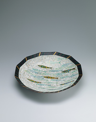 image Bowl with decoration in engraving, overglaze enamel, gold and silver.
