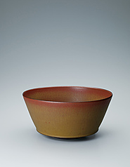 写真:Agano bowl with iron brown glaze.