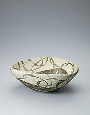 写真:Bowl with circle design in kaminuki.