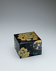 "写真:Tiered box with design in hyōmon. ""Coolness"""