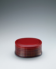 写真:Covered vessel made by bending work with red tamenuri.