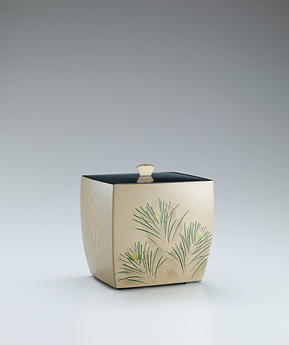 image Kanshitsu tea ceremony fresh water jar with pine design in mother-of-pearl inlay and makie.
