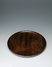 写真:Dish of zelkova wood.