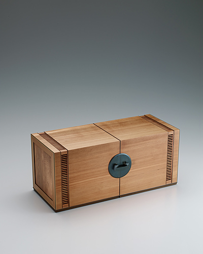 image Small chest of drawers made of Japanese yew wood.