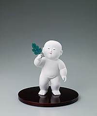 "写真:""Chrysanthemum boy (Kikujidō)"". Formed with tōso over wooden core and covered with whitewash."