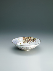 "写真:Cloisonne bowl with flowering plant design. ""Thicket II"""