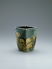 "写真:Opaque cloisonne flower vessel. ""Passing spring"""