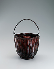 "写真:Flower basket in tabane-ami weave. ""Richness"""