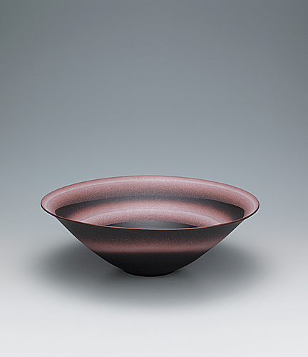 "写真:Large bowl with ""daybreak"" design."