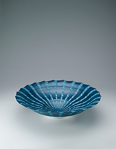 写真:Bowl with washizome decoration.