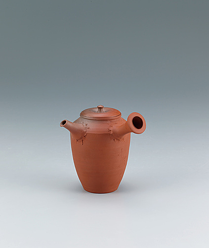 写真:Red clay teapot.