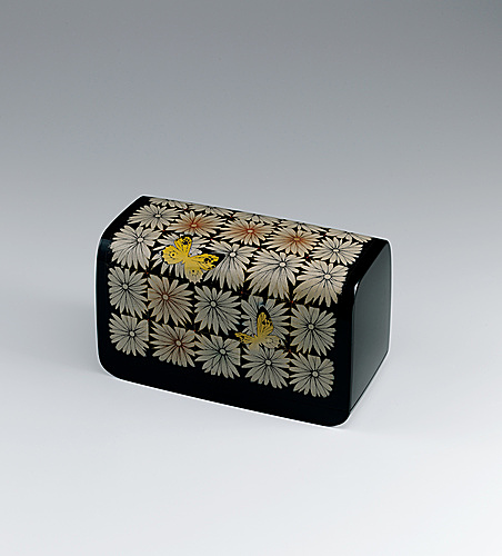 "写真:Box with design in zonsei. ""Decorated with ornaments"""