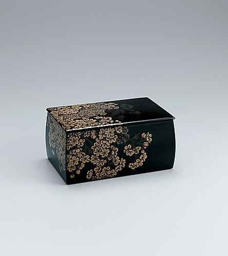 "写真:Box with design in kinma. ""Cherry blossoms"""