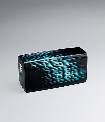"写真:Box with urushi carving. ""Ripples"""