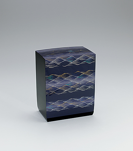 "写真:Box with design in kirikane. ""Weaving waves"""