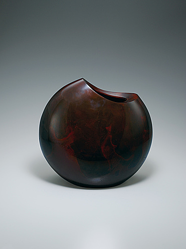 "写真:Flower vessel of cast bronze. ""Shroud"""