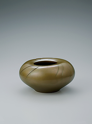 "写真:Brass flower vessel. ""Flower bud"""