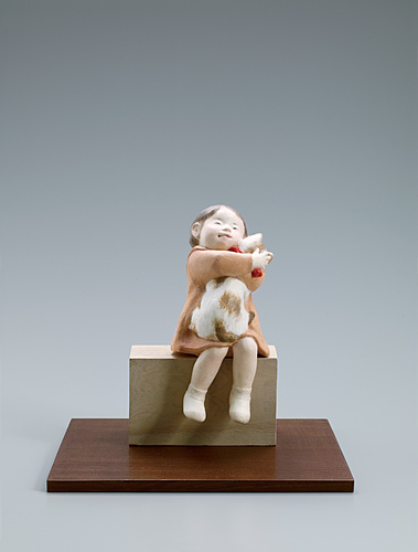 """image """"Let me hold you"""". Formed with tōso over wooden core and covered with paper."""