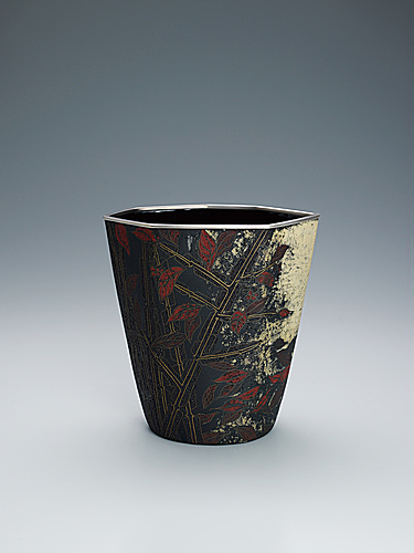 "写真:Opaque cloisonne flower vessel. ""Passing autumn"""